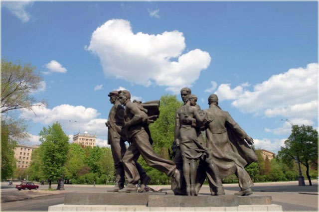 This is monument which is devoted to students' battalion who had gone to the Second World War in 1941. It's located near National University not far from Freedom Square.